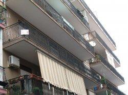 Appartamento piano secondo con ascensore di MQ.155 con posto assegnato.